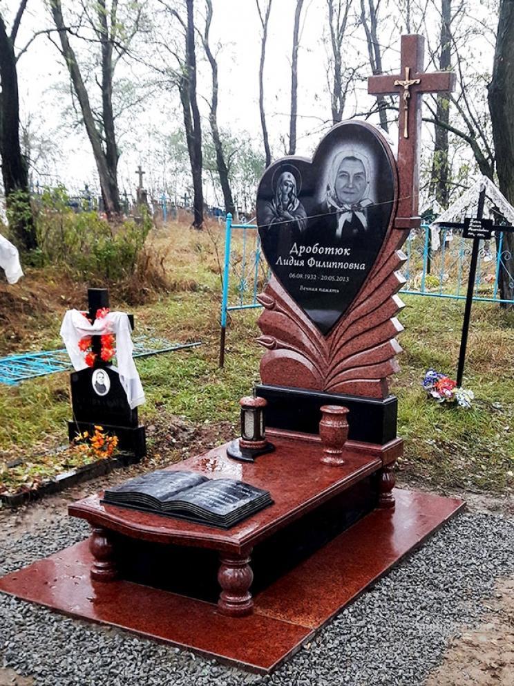 Лезниковский гранит для надгробного памятника