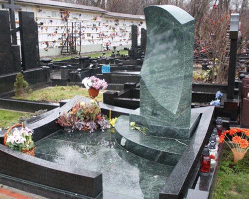 Зеленый гранит для надгробного памятника