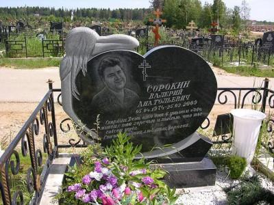 Резные памятники из гранита