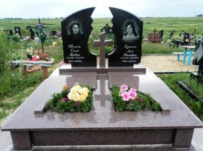 Двойной памятники на могилу из гранита фото
