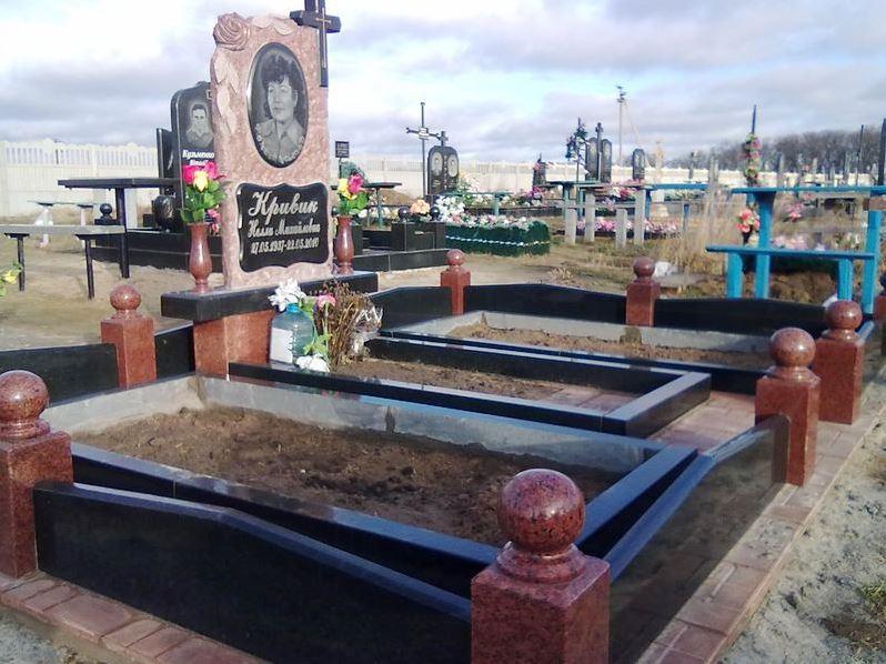 Элитное надгробие из токовского гранита