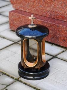 Маленькая черная лампадка для памятника