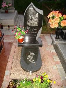 Детский памятник с гравировкой ангелочков