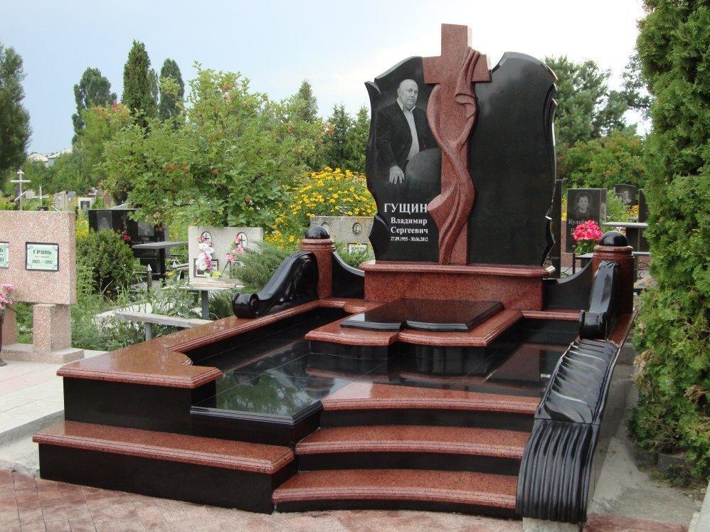 Эксклюзивный комбинированный памятник для мужчины