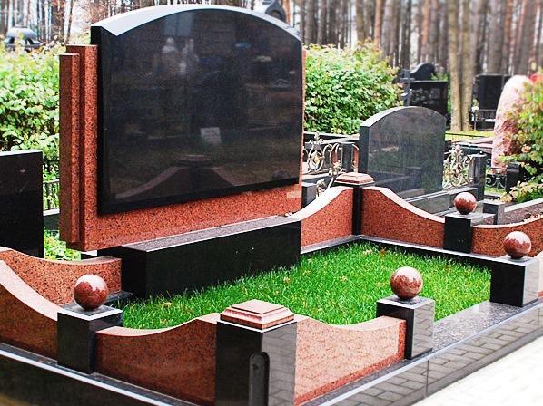 Гранитное ограждение для надгробного памятника