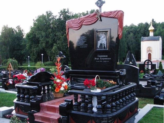 Эксклюзивный дизайн мужского памятника