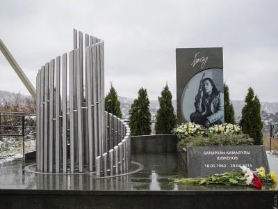 Эксклюзивный гранитный памятник для музыканта