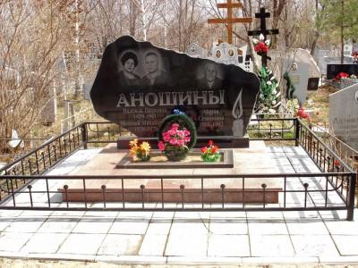 Гравировка свечи для гранитного надгробного памятника