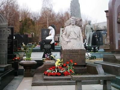 Бюст человека для гранитного памятника
