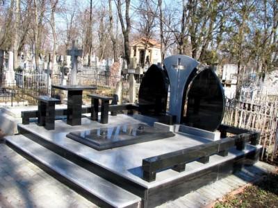 Мемориальный комплекс двойной