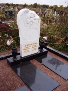 Памятник из гранита и мрамора без фото