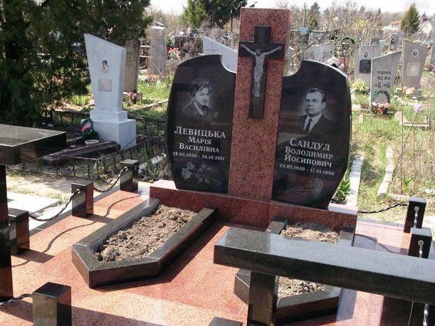 Разные виды гранита для надгробного памятника