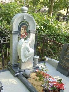 Памятники из гранита эксклюзивные дизайн фото