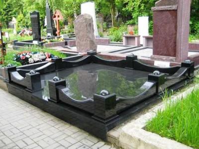 Виды гранитного ограждения для памятника