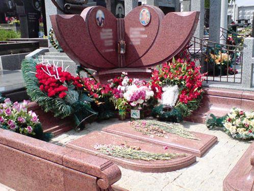 Эксклюзивный двойной памятник из розового гранита