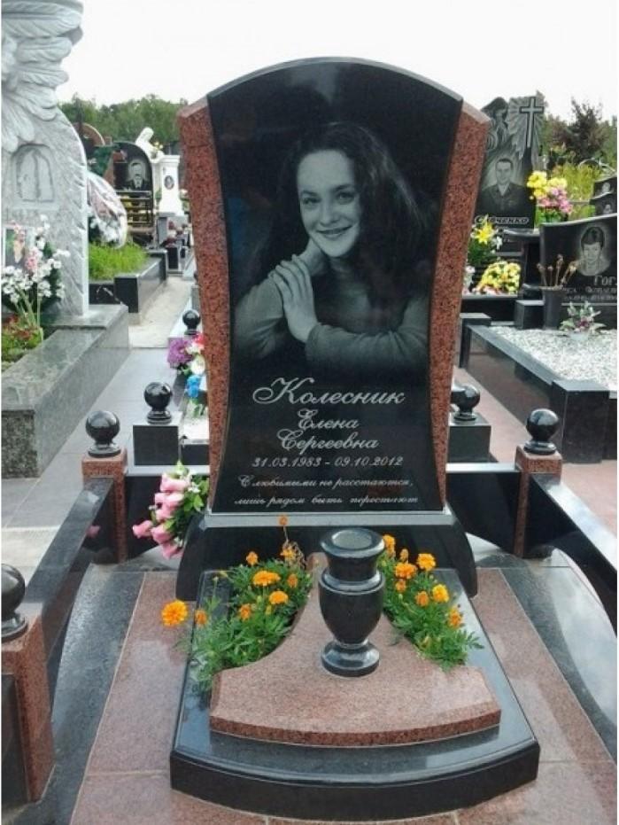 Комбинированный гранитный памятник на могилу девушки