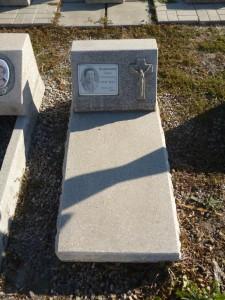 Памятник на могилу мраморная крошка
