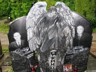 Ангел для двойного мужского памятника