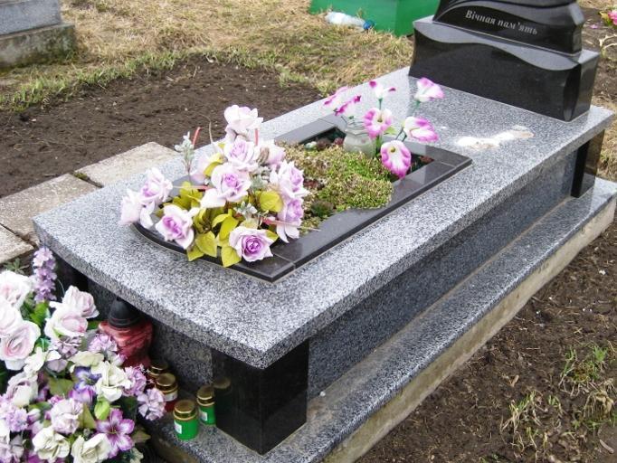 Покостовский гранит для цветников памятника
