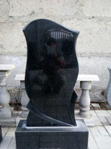 Стандартная стелла с тумбой для памятника №7