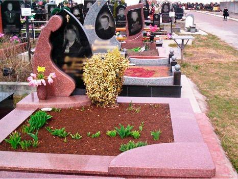 Розовый гранит для надгробного памятника