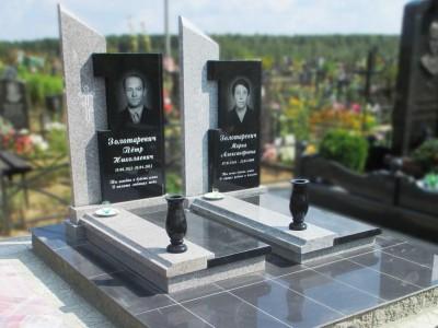 Мужской гранитный памятник в современном стиле
