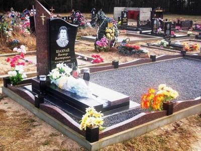 Одинарный гранитный памятник отцу на могилу