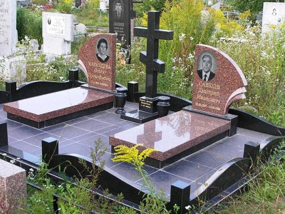Гранитные вазы на надгробный памятник