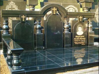 Тройной мемориальный комплекс фото