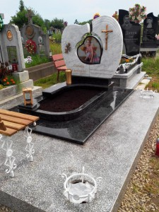 Элитный детский надгробный памятник с лавочкой