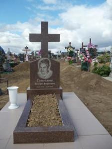 Стандартный женский памятник в виде креста №344