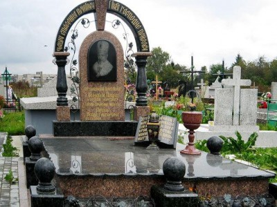 Колонны и арки для надгробного памятника
