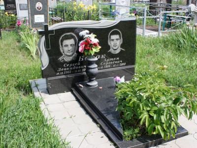 Памятники двойные из черного гранита картинки