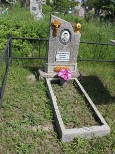 Памятник из крошки на одного