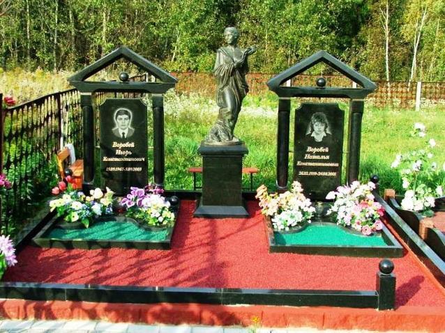 Эксклюзивные надгробные памятники с цветным щебнем